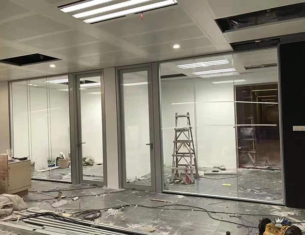 玻璃隔断安装工程