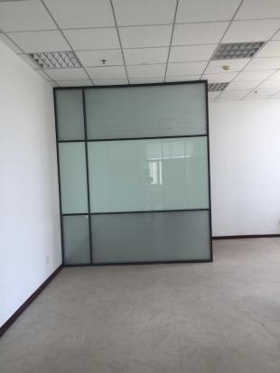 玻璃隔断背景墙